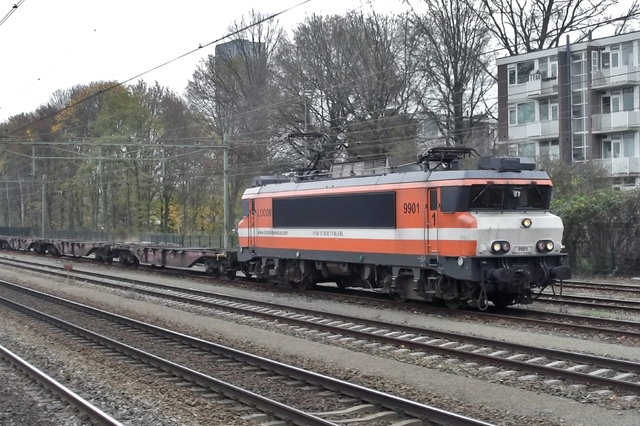 Foto van Locon Alsthom 1600/1800 9901 Electrische locomotief door LeoScribens