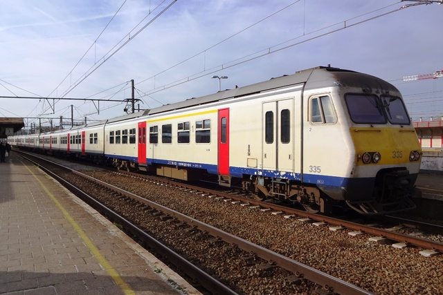 Foto van NMBS MS80 335 Electrisch treinstel door LeoScribens