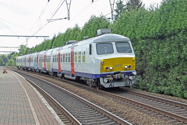 Foto van NMBS MS75 811 Electrisch treinstel door best trains