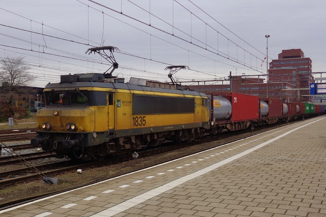 Foto van BE Alsthom 1600/1800 1835 Electrische locomotief door LeoScribens
