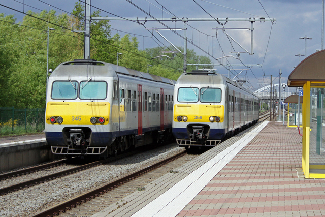 Foto van NMBS MS80 358 Electrisch treinstel door best trains