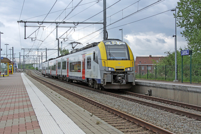 Foto van NMBS MS08 Desiro ML 8011 Electrisch treinstel door best trains