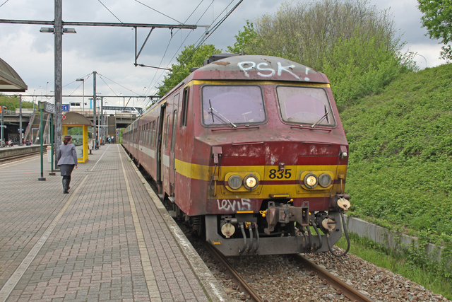 Foto van NMBS MS75 835 Electrisch treinstel door best trains