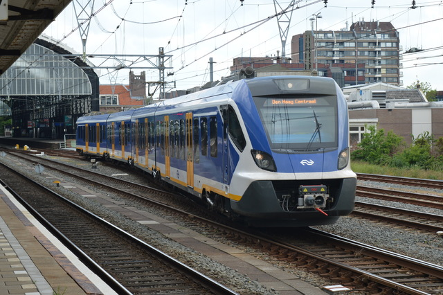 Foto van NS SNG CAF Civity 2728 Electrisch treinstel door wyke2207