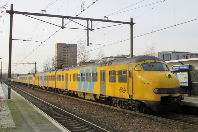 Foto van NS Mat '64 464 Electrisch treinstel door LeoScribens