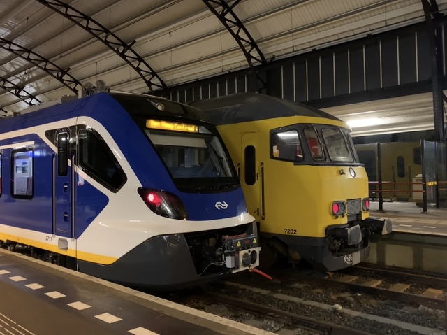 Foto van NS SNG CAF Civity 2711 Electrisch treinstel door Stadsbus