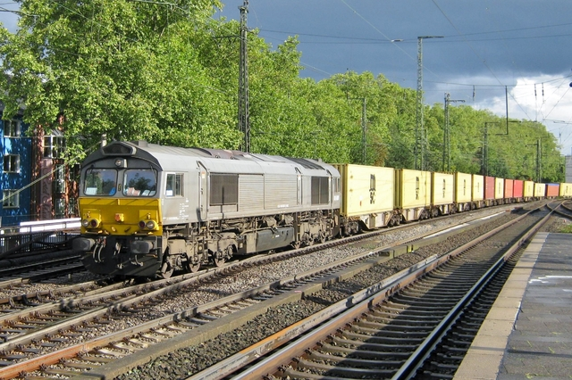 Foto van Crossrail EMD Class 66 6307 Diesel locomotief door LeoScribens