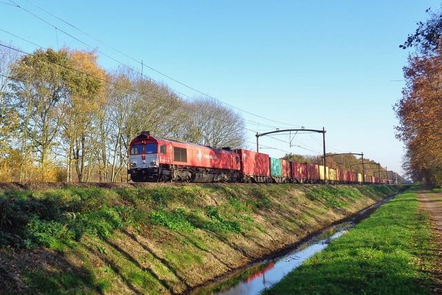 Foto van Crossrail EMD Class 66 6311 Diesel locomotief door LeoScribens