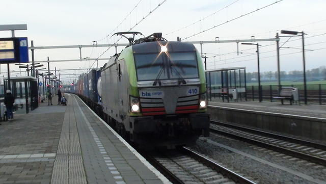 Foto van BLS Siemens Vectron 475410 Electrische locomotief door RailNationYT