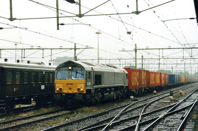 Foto van Crossrail EMD Class 66 6304 Diesel locomotief door LeoScribens