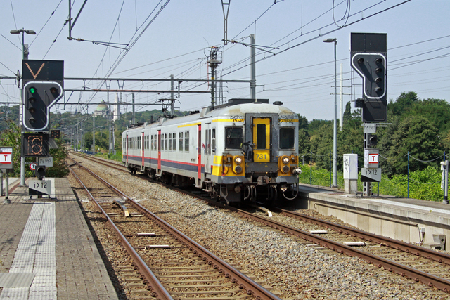 Foto van NMBS Klassiek Motorstel 731 Electrisch treinstel door best trains