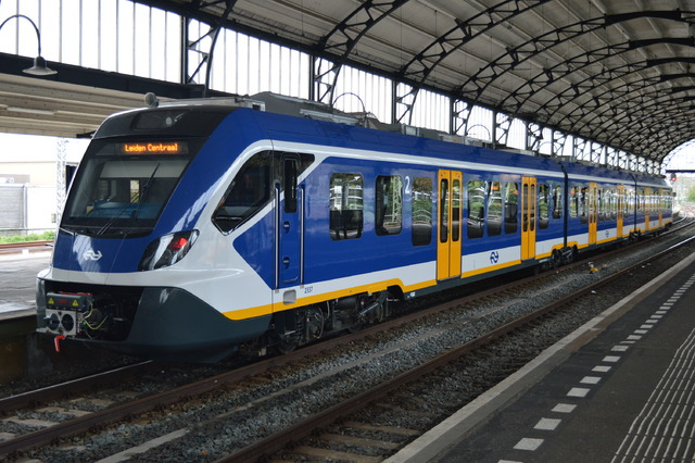 Foto van NS SNG CAF Civity 2337 Electrisch treinstel door wyke2207
