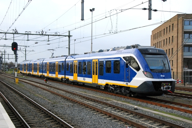 Foto van NS SNG CAF Civity 2743 Electrisch treinstel door HenkHartsuiker
