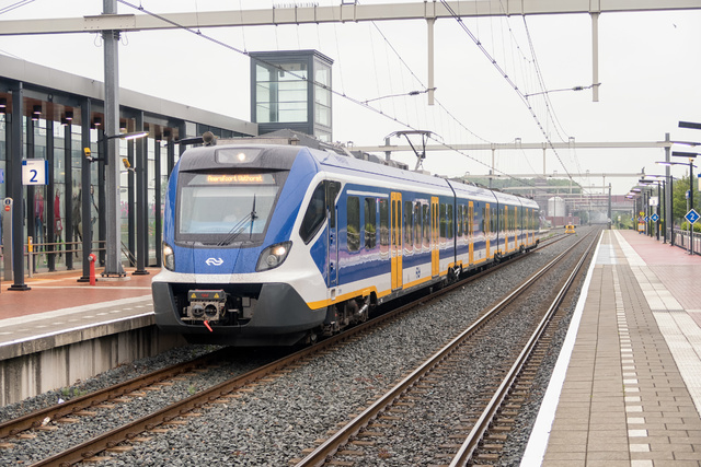 Foto van NS SNG CAF Civity 2705 Electrisch treinstel door rhemkes
