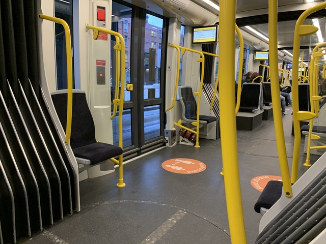 Foto van QBUZZ Urbos 100 Extended Version 6068 Tram door Stadsbus