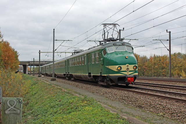Foto van Hondekop Mat '54 766 Electrisch treinstel door best trains