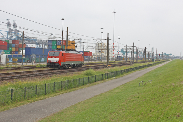 Foto van DBC Siemens ES64F4 189051 Electrische locomotief door best trains