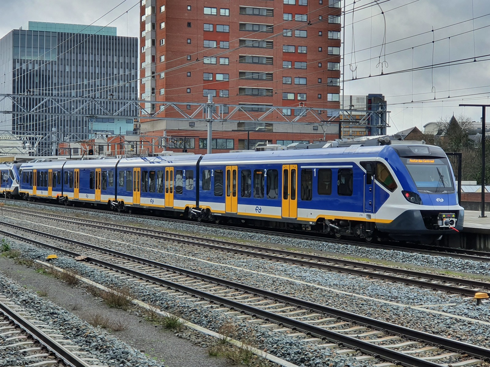 Foto van NS SNG CAF Civity 2746